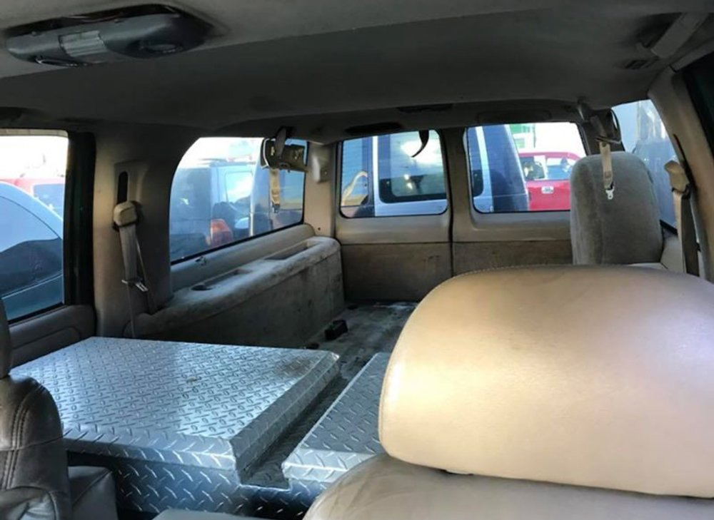 1999-chevy-suburban-1