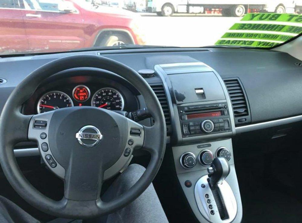 2010-nissan-sentra-sedan-1